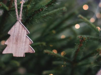 Vo VÚB privítali Vianoce s chránenými dielňami