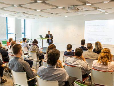Zamestnanci VÚB sa každoročne stretávajú s uznávanými zahraničnými ekonómami
