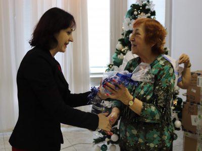 Veolia spríjemnila vianočné sviatky 400 seniorom v Bratislave a Košiciach