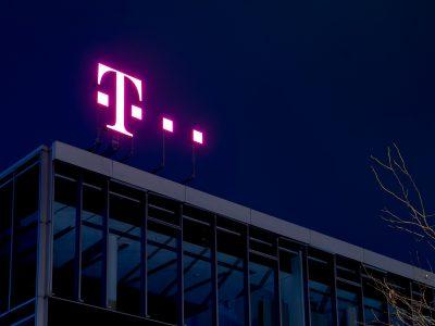 Telekom motivuje ľudí, aby zostali doma. Zákazníkom ponúka niekoľko benefitov