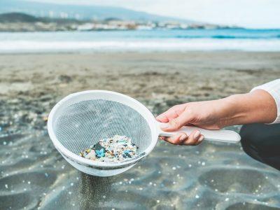 Kaufland sa v produktoch vlastných značiek zrieka mikroplastov