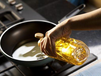 Nádoby na použitý kuchynský olej pribudli pri ďalších predajniach Kauflandu, mesačne sa ho zrecyklujú tony
