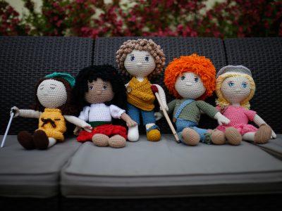 Päť špeciálnych bábik pomáha škôlkarom vnímať inakosť